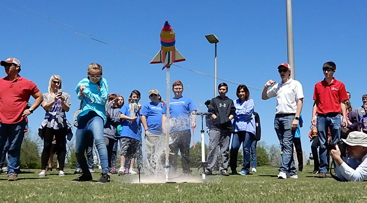 Main Programs Story Image - rocketry challenge